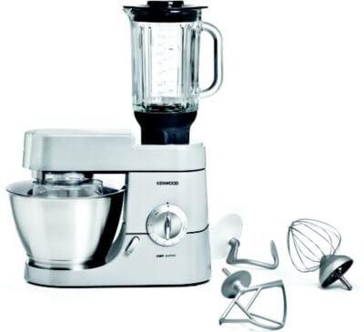 glas mit küchenmaschine mixer